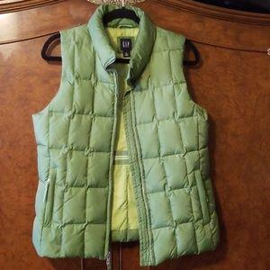 Gap down filled puffer vest